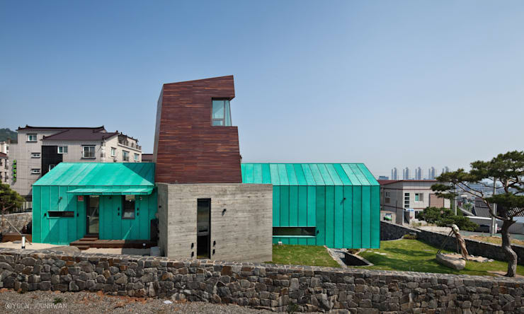 TOWER HOUSE: ON ARCHITECTURE INC.의  주택,