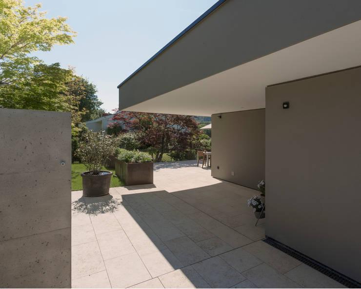 Casas de estilo  de meier architekten zürich, Moderno