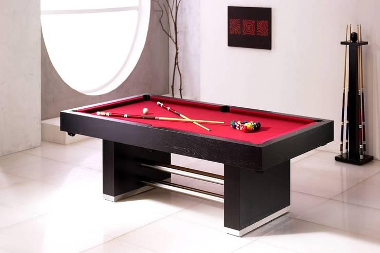 http://intense-mobiliario.com/pt/bilhares-snooker/6613-bilhar-snooker-galatico.html: Casa  por Intense mobiliário e interiores;