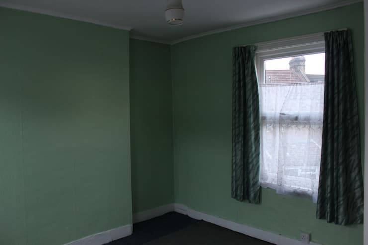 Bedroom Before:   by Millennium Interior Designers,