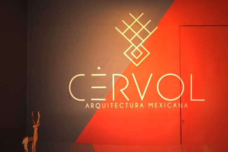 Exhibidor | CÉRVOL: Espacios comerciales de estilo  por CÉRVOL