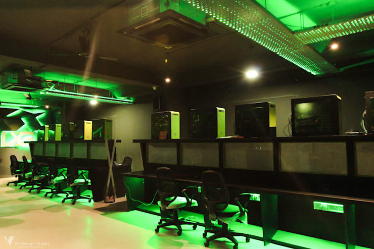 LXG—Gaming Arena:  Event venues by V5 Design Studio,Rustic Plywood