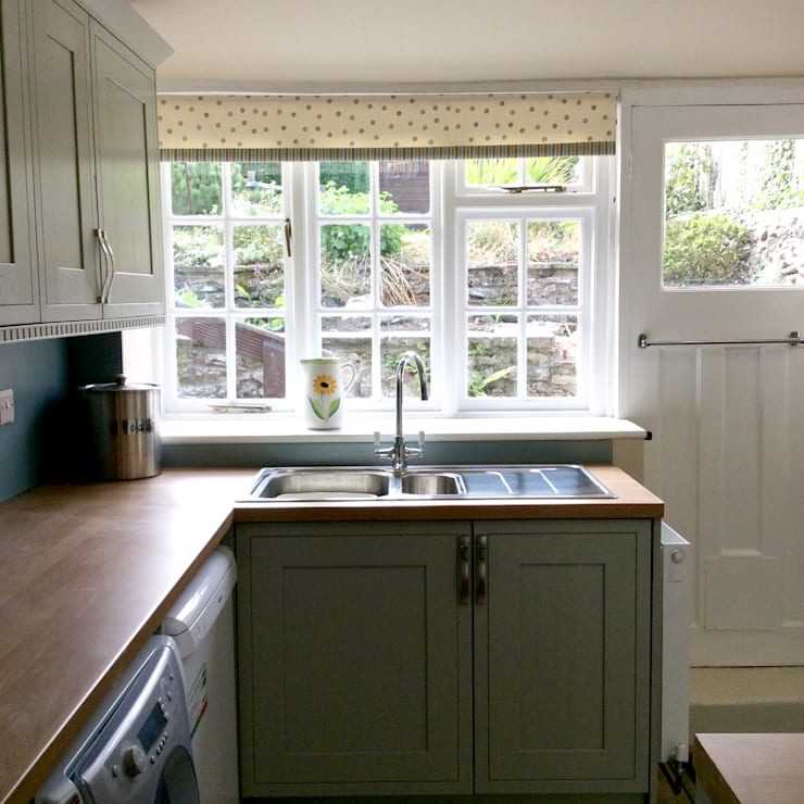 THE OWLETS HOLIDAY COTTAGE RENOVATION :  Kitchen by Interiors at Nine to Eleven