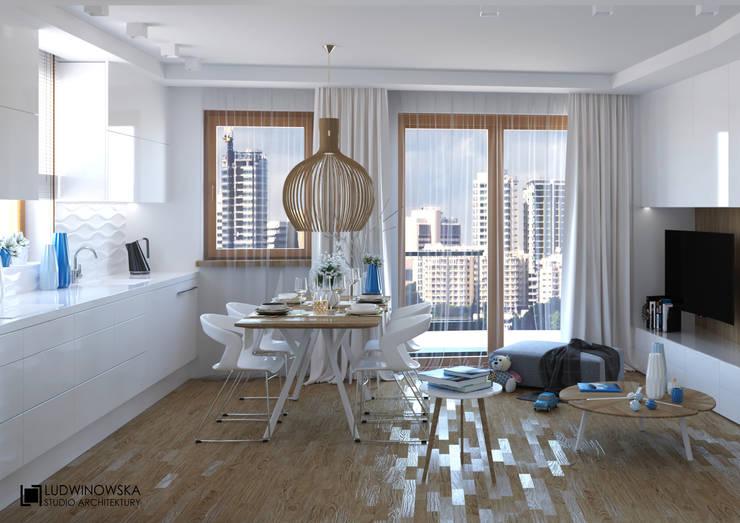 BLIŻEJ NIEBA: styl , w kategorii Jadalnia zaprojektowany przez Ludwinowska Studio Architektury