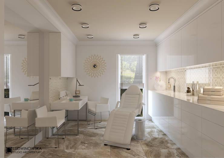 DR BEAUTY: styl , w kategorii Salon zaprojektowany przez Ludwinowska Studio Architektury