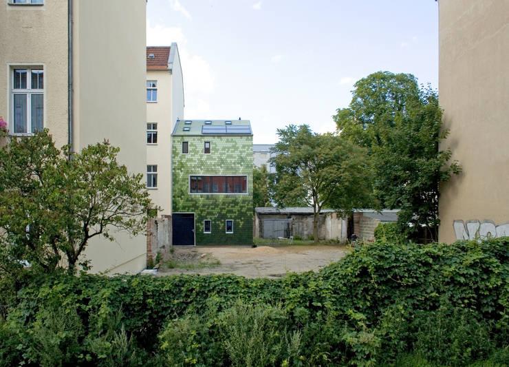 Maisons de style  par brandt+simon architekten, Moderne Céramique