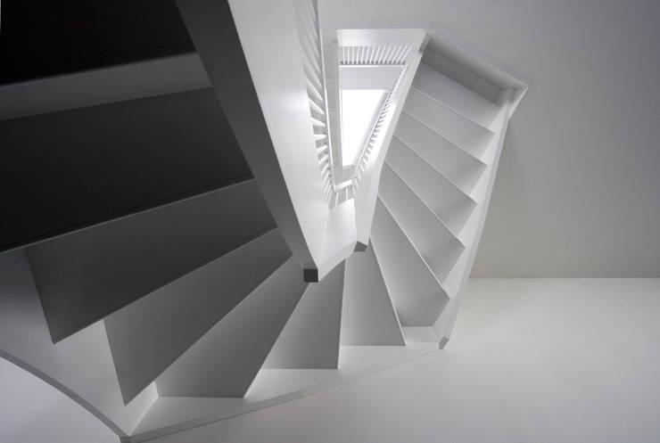 Couloir et hall d'entrée de style  par brandt+simon architekten, Moderne