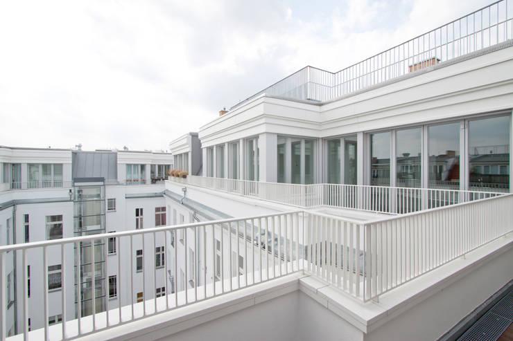 deckweiß:  Houses by brandt+simon architekten