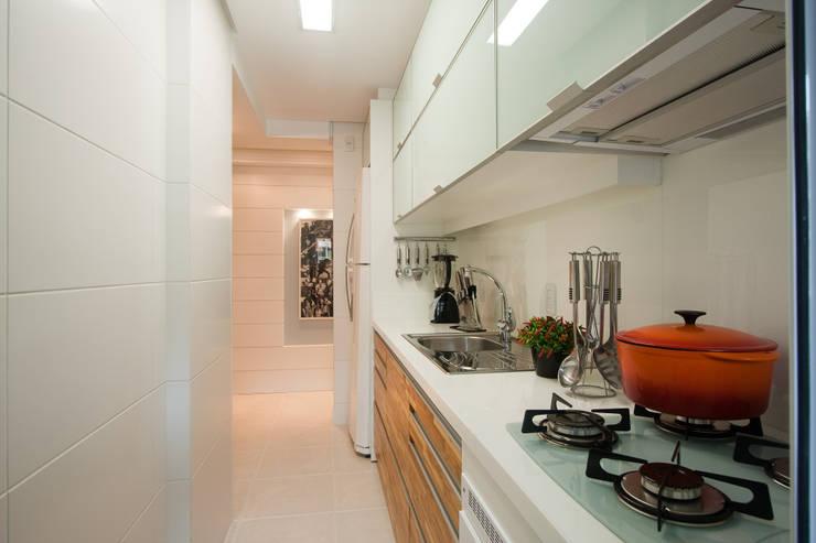 Cocina de estilo  por msaviarquitetura