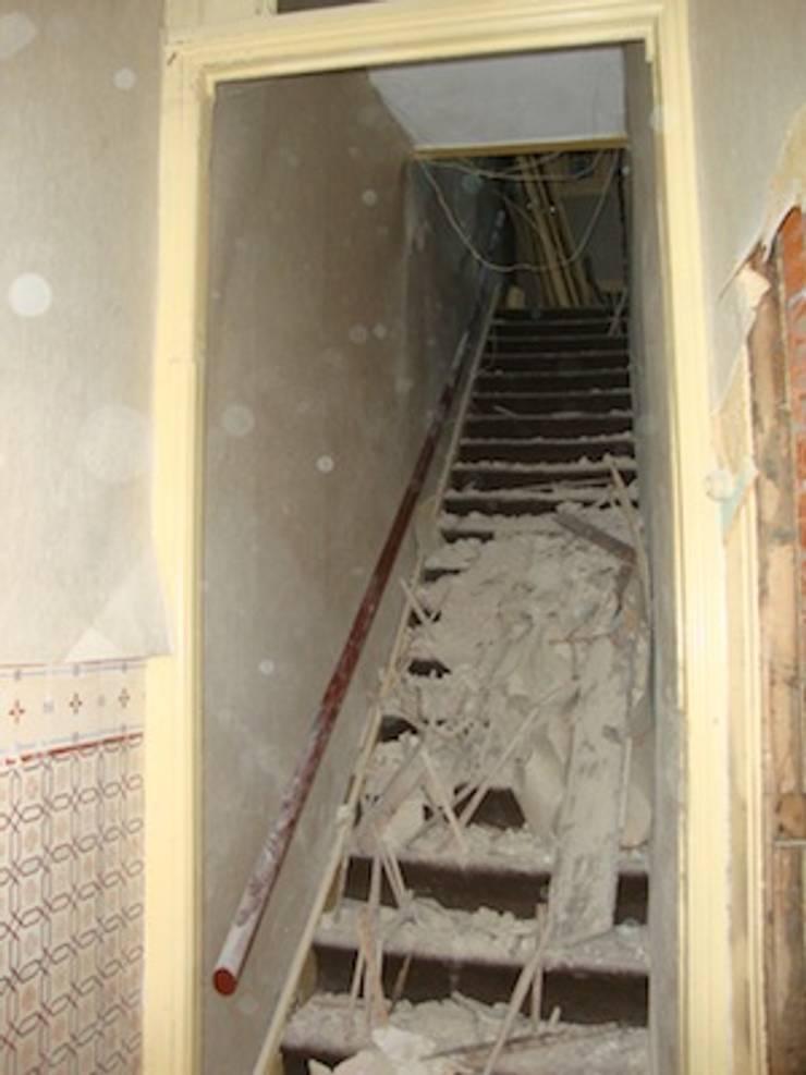 Escadas antes:   por A3 Ateliê Academia de Arquitectura
