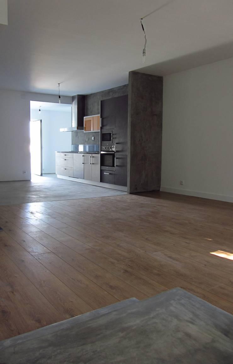 Da Cozinha à Sala:   por A3 Ateliê Academia de Arquitectura