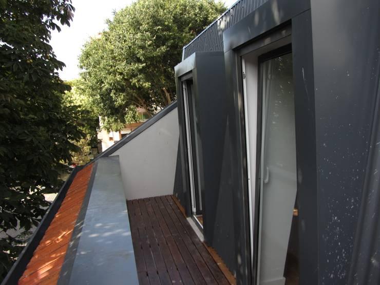 Varanda:   por A3 Ateliê Academia de Arquitectura