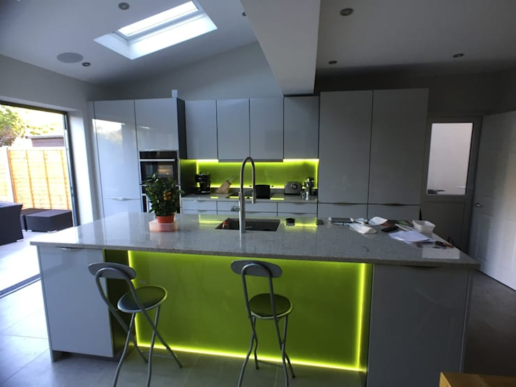 kitchen: modern Kitchen by Progressive Design London