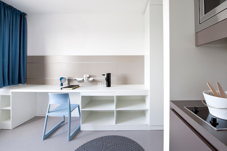 Apartment Modern Study Room and Home Office by INpuls Modern