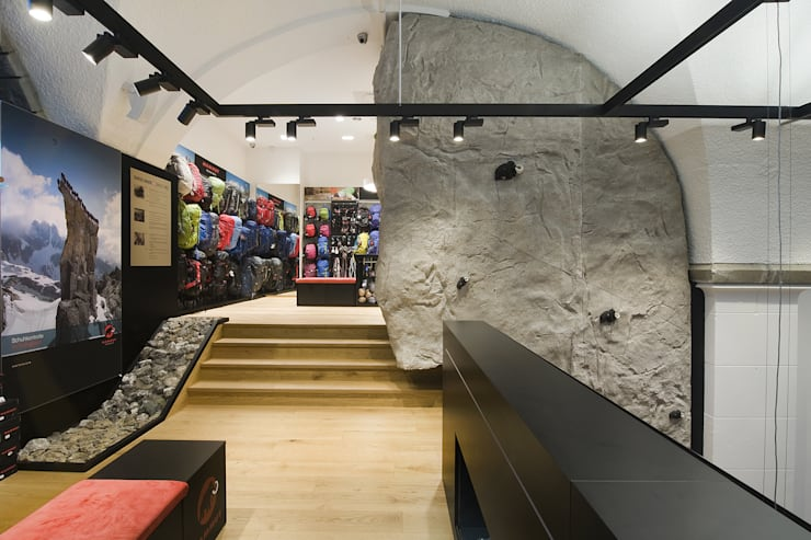 uk availability 81e51 dabd9 Mammut Sports Group Store Concept by INpuls | homify