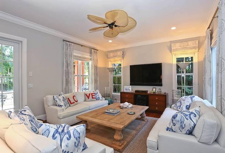 غرفة المعيشة تنفيذ Casa Bruno American Home Decor