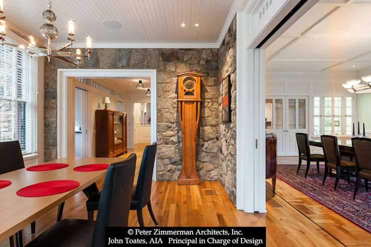 Family Dining:  Dining room by John Toates Architecture and Design