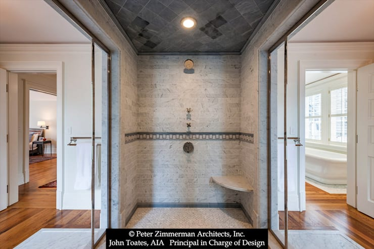Shower:  Bathroom by John Toates Architecture and Design