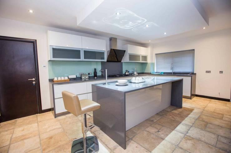 modern Kitchen by Schmidt Kitchens Barnet