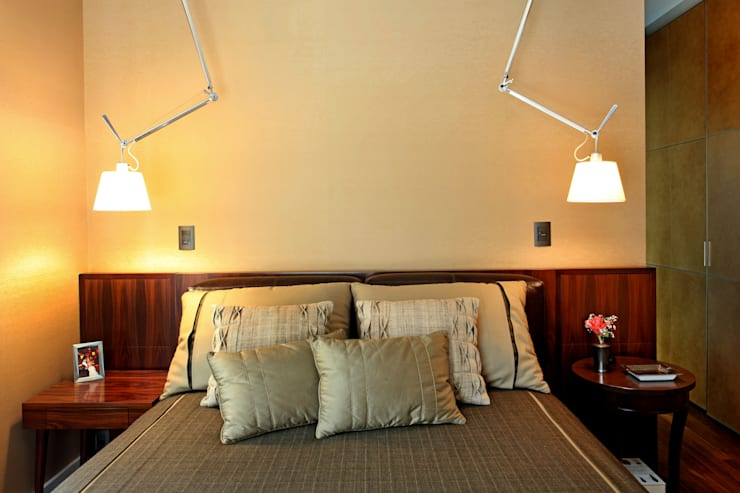 Dormitorios de estilo  por Célia Orlandi por Ato em Arte