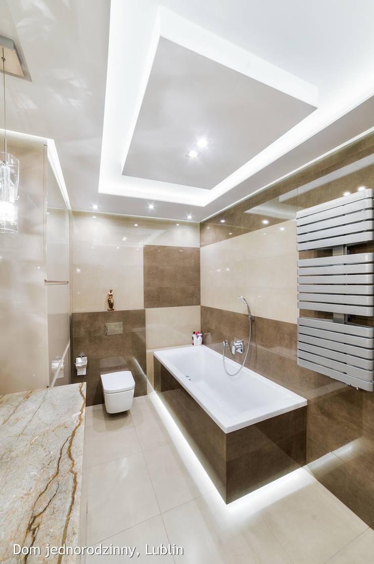 Bathroom by Auraprojekt