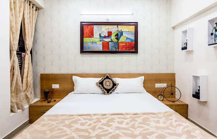 Master Bed room: modern Bedroom by HGCG Architects