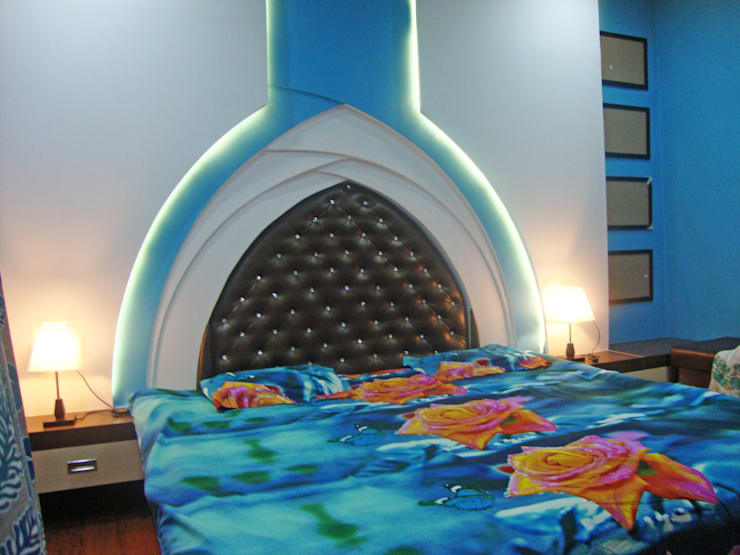 Bed: classic Bedroom by Designers Height