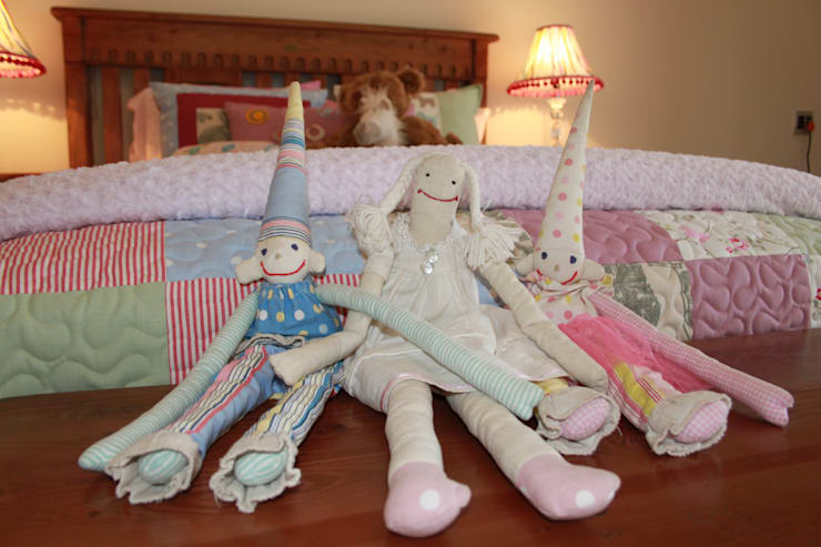 Hand Made Dolls: country  by Inside Out Interiors, Country