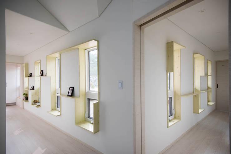 복도2: 건축사사무소 재귀당의  복도 & 현관