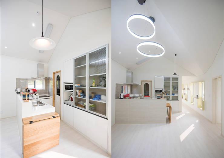 Kitchen by 건축사사무소 재귀당