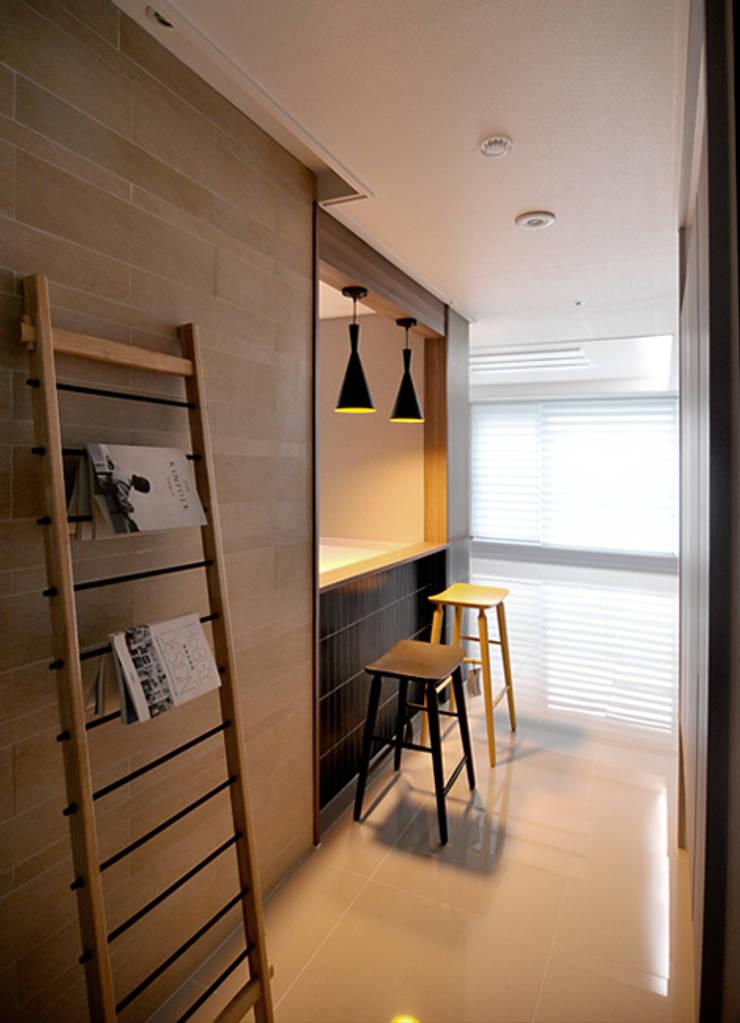 오산 휴먼시아데시앙 46: JMdesign 의  방,모던