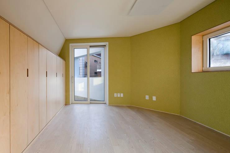 상도동 반달집: 리슈건축 의  방