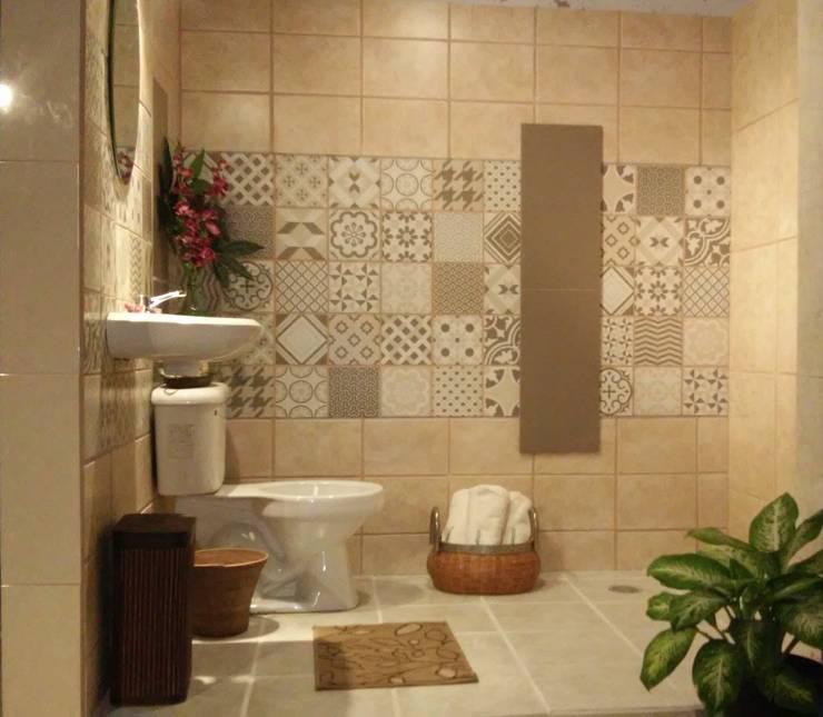Baño ya terminado:  de estilo  por Escay Soluciones