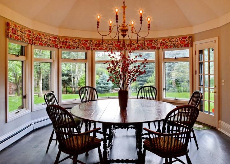 Cherry Hills Charmer: classic Kitchen by Andrea Schumacher Interiors