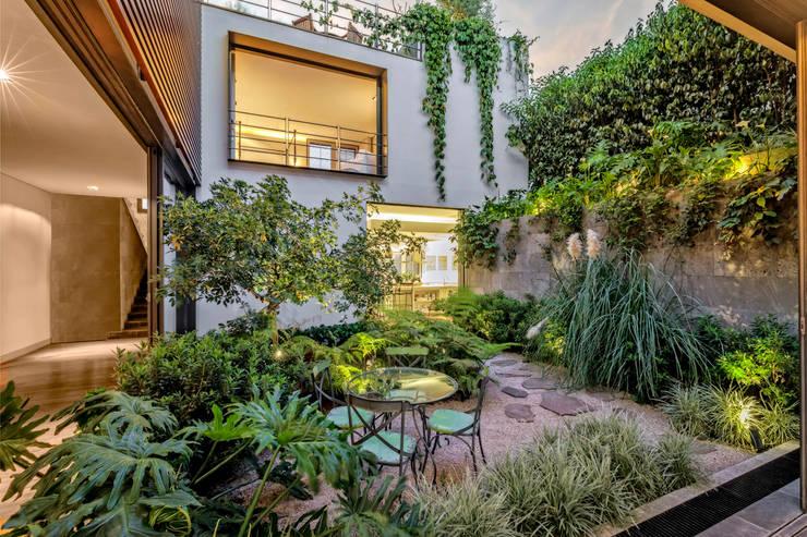 Teras oleh Lopez Duplan Arquitectos, Klasik