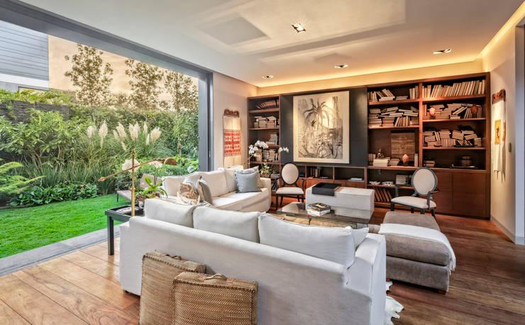 Livings de estilo clásico por Lopez Duplan Arquitectos