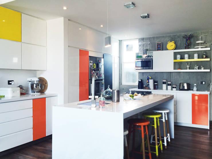 مطبخ تنفيذ Nomada Design Studio