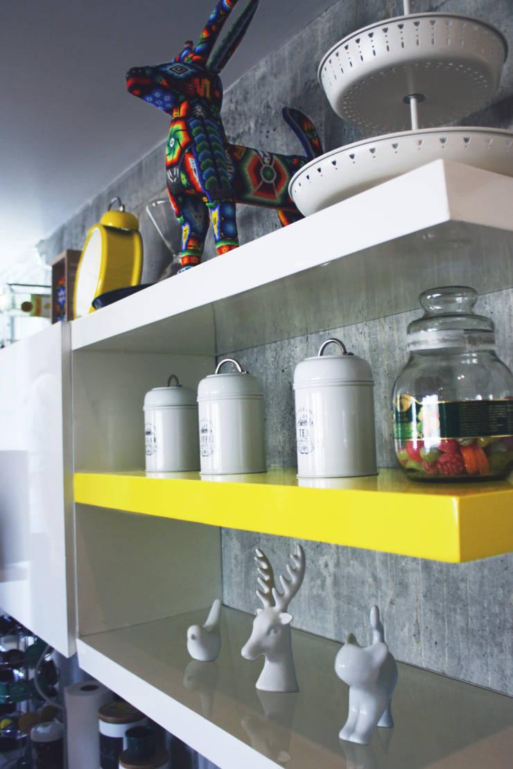 Cocinas: Cocinas de estilo  por Nomada Design Studio
