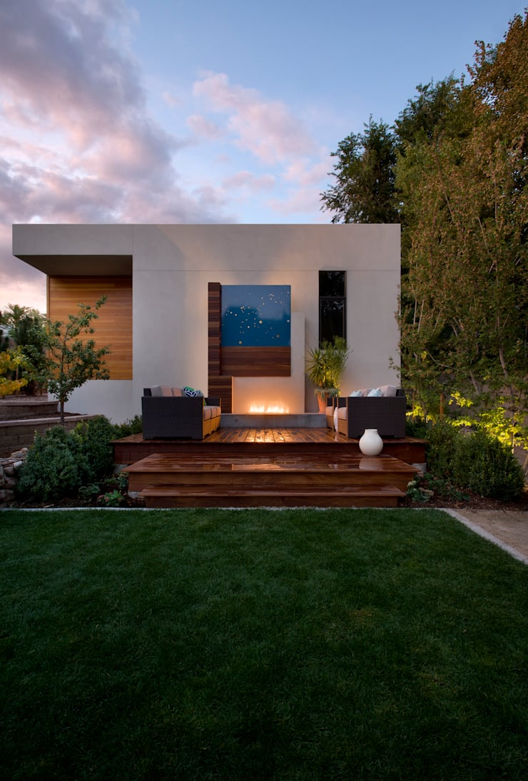LoHi Private Residence:  Garden by Andrea Schumacher Interiors