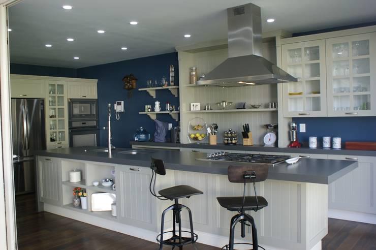 廚房 by Arquimia Arquitectos