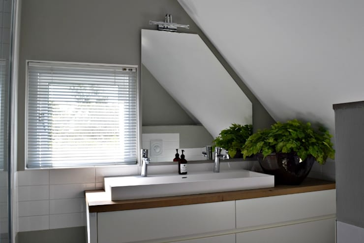 country Bathroom by Atelier09