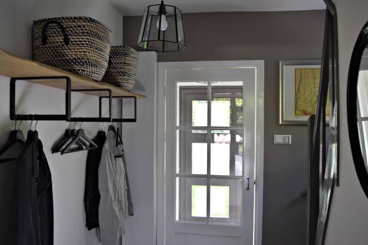 Corridor & hallway by Atelier09