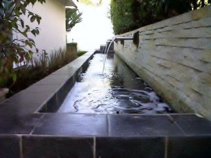 Project Completed by Liquid Landscapes:  Garden by Liquid Landscapes, Modern