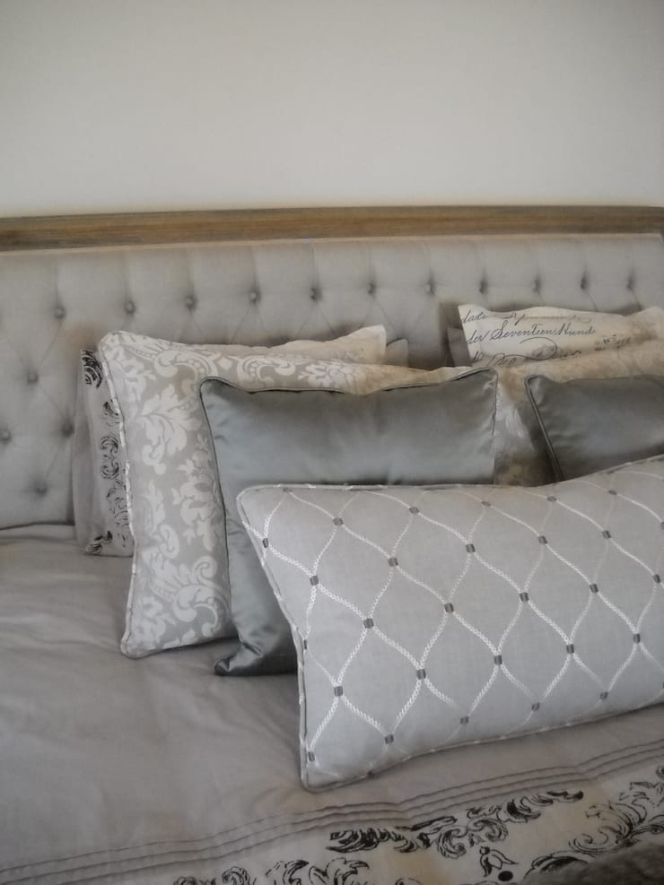 Bedding Accessories: country  by Inside Out Interiors, Country