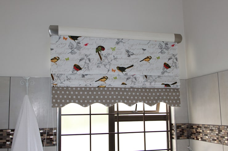 Bathroom Roman Blind: country  by Inside Out Interiors, Country