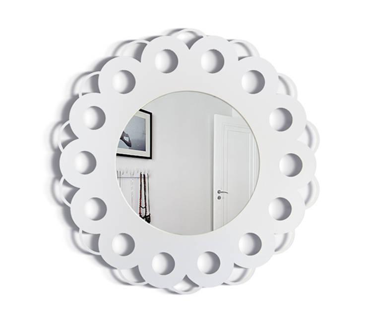 Настенное зеркало  SIMPLY FLOWER: Спальная комната  в . Автор – BONESSI