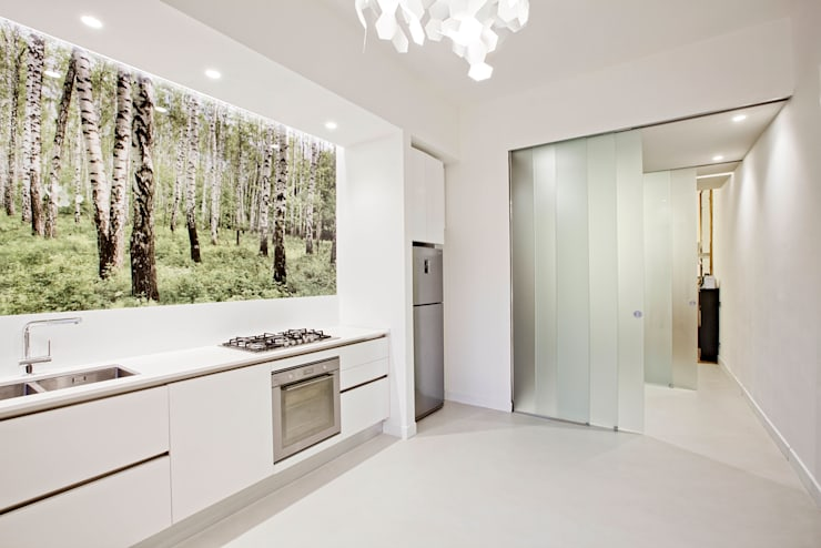 White and green: Cucina in stile in stile Moderno di mg2 architetture