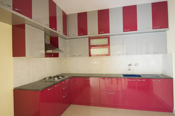 Residential Interior Project at Sarjapur, Bangalore:  Kitchen by Kriyartive Interior Design