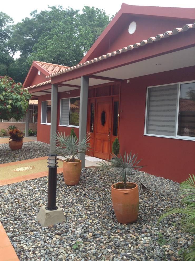 Casa Patricia R.: Casas de estilo  por ARQUITECTOnico