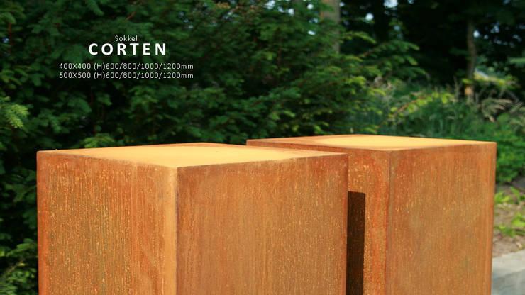 pedestal:   door PRODUCTLAB  we create, Minimalistisch IJzer / Staal